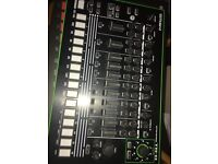 Roland tr8 drum machine never used with waranty