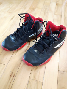 Boys Adidas shoes Size 5