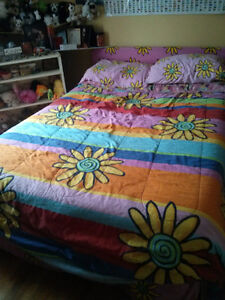 Matching Bed/Curtain/Towel Set