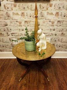 MID CENTURY BRASS TRAY TABLE SPIDER LEGS