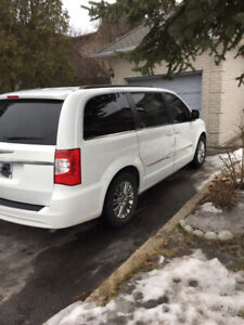 2015 Chrysler Town and Country Touring with Leather