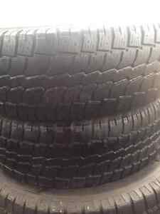 Set of 2 Radial winter tires 215/70/16 West Island Greater Montréal image 2