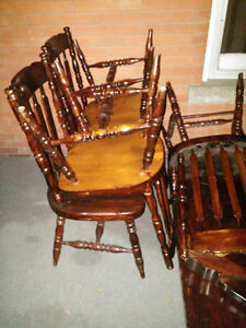 Solid wood table with 6 chairs London Ontario image 2