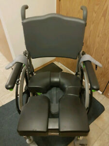 Wheelchair/Shower Commode