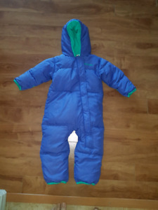 Columbia down filled snowsuit sizw 18-24 months.