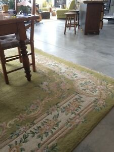 9'x12' Beautiful Vintage Wool Rug