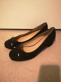 Classic M&S Collection Size 6 Black court shoes