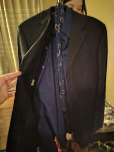 Moore's Alfred Sung 3 piece dark blue suit excellent condition L