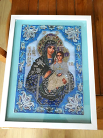 Beautiful diamond painting of mother and child