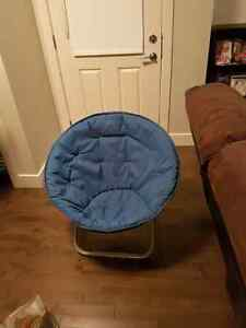 Blue circle chair