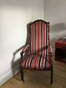 chaise de lecture modèle antique
