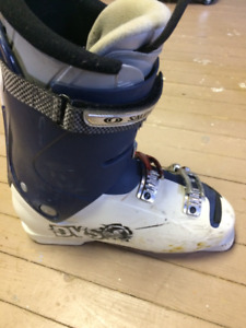 Solomon down hill ski boot size 12