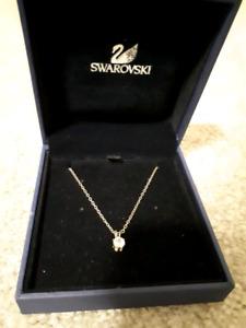 Swarvoski Attract Round Necklace
