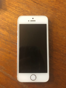 iPhone 5S 64GB & 3 Cases - Silver - Excellent Condition