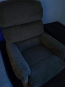 Laz z boy reclining chair beige fabric like new barely used
