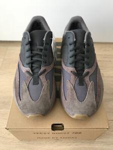 00615c63ccf48d Adidas Yeezy 700 Mauve Size 9.5