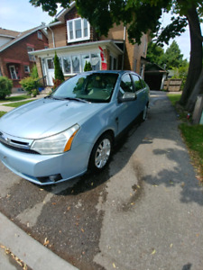 2010 ford focus sel like new $3250