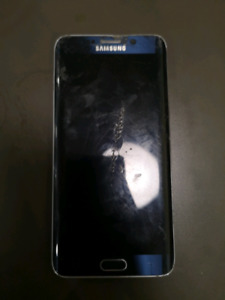 32g Galaxy s6 cracked glass but works great