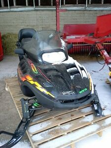Motoneige Arctic cat triple touring 2001