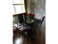 Harvey's Extending Table & 6 or 4 chairs