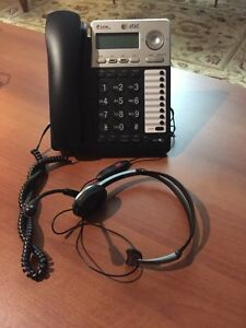 AT&T two line speaker phone with headset