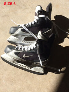 NIKE / EASTON HOCKEY SKATES