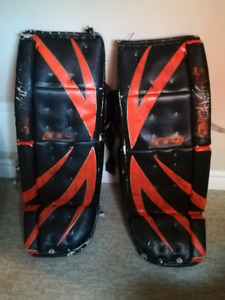 Simmons 993 32 inch goalie pads
