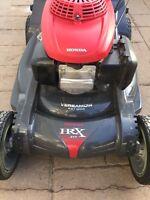 2012 Honda HRX 217 4-in-1 Premium Lawn Mower