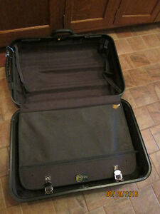 Soft shell black suit case London Ontario image 1