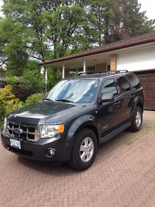 Extremely Mint Condition 2008 FORD Escape Black - one of a kind