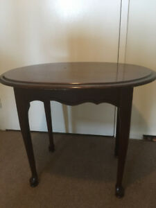 Queen Anne end table, 27 x 21 x 22, rounded on edges, not oval