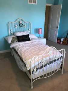 Twin Size kids/youth  WHITE Bed (metal frame)