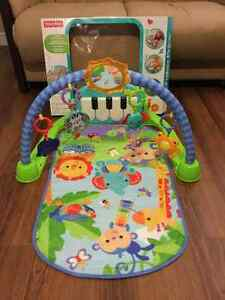 Excellent condition fisher price kick & play piano gym London Ontario image 1