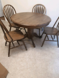5 Piece dining room table set