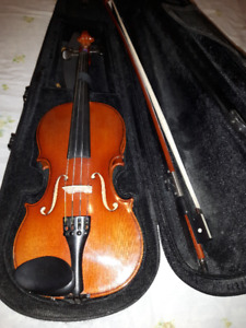 Violin - 3/4 size - made by Karl Hofner - Excellent Condition.