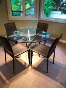 Moving sale - Glass dining table