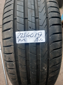 225 40 19 part worn tyre pirelli used tire