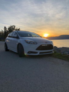2013 FORD FOCUS ST, LOW KM