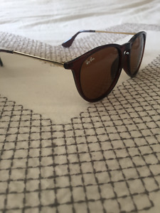 Women's Ray ban Sunnies