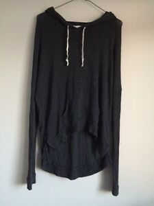 Hollister Drapey Sweater (size extra small/small)