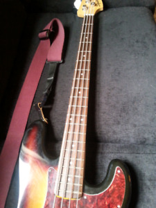 Fender Squire Jazz Bass Seymour Duncan Pickups