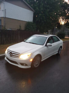 Mercedes Benz C250 2010 White Perfect Condition v6 Engine & AWD