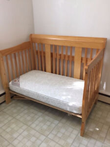 Quality Baby/Toddler Crib/Day Bed with Mattress