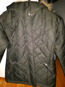 Manteau d'hiver NEUF  taille 8-10 ans