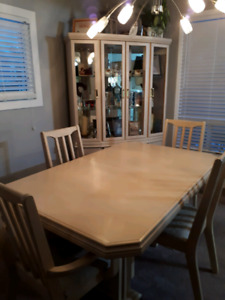 Hutch Buy Or Sell Dining Table Sets In Barrie Kijiji Classifieds