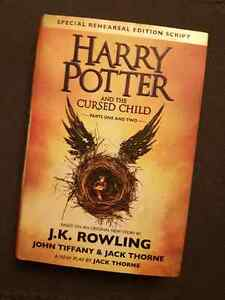 *Sale* Harry Potter and the Cursed Child - Script (J.K. Rowling)