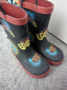 Rain boots size 8 toddler