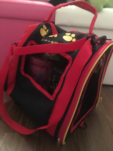 «Sac» roulette toutou/ Rolling pet carrier stuffed animals