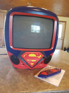 "Superman 13"" TV DVD TV/DVD Combo with Remote Control"