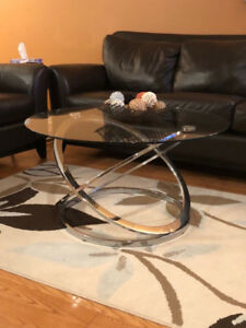 Glass Coffee Table with 2 Matching End Tables!!